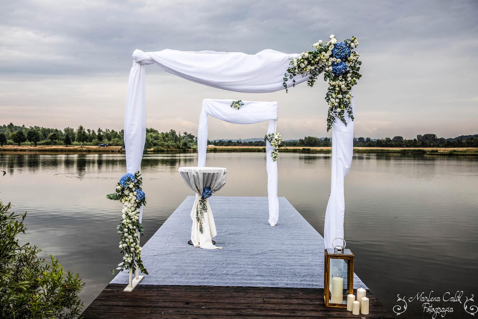Unikalny ślub cywilny w plenerze