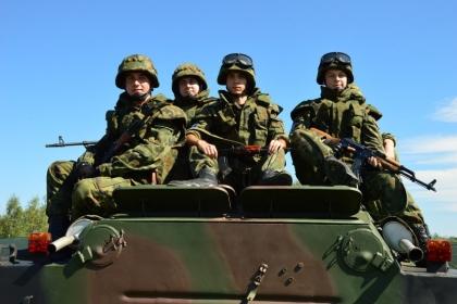 Kuter Port Nieznanowice prezentuje pojazdy militarne i zaprasza na… przejażdżki! Wiele atrakcji oraz akcja charytatywna