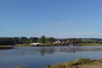 Słoneczne wędkowanie na łowisku w Nieznanowicach