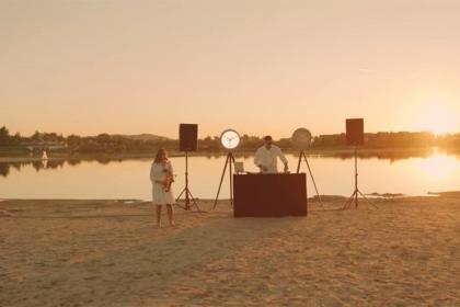 Muzyka elektroniczna w kuterportowej scenerii